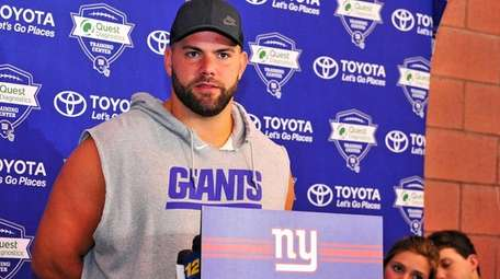 New York Giants offensive guard Justin Pugh speaks