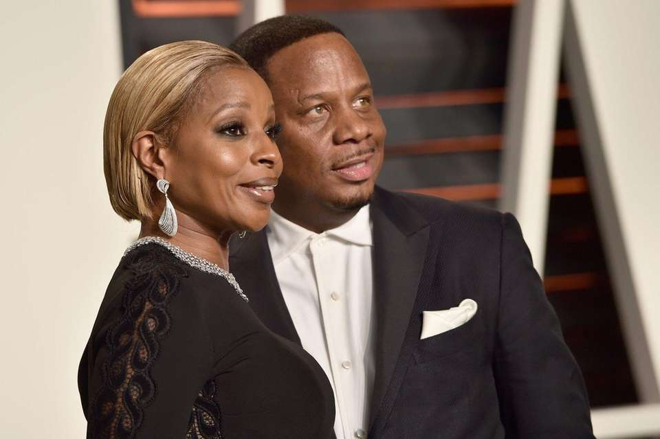 R&B songstress Mary J. Blige filed for divorce