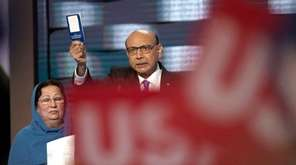 Khizir Khan speaks at the Democratic National Convention