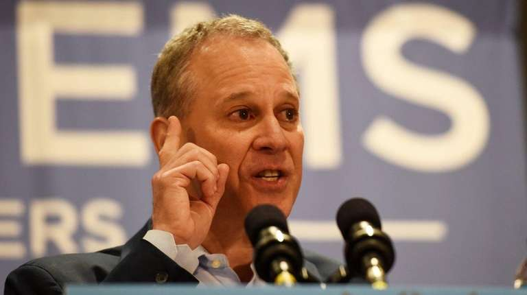 Eric Schneiderman, New York Attorney General, speaks at