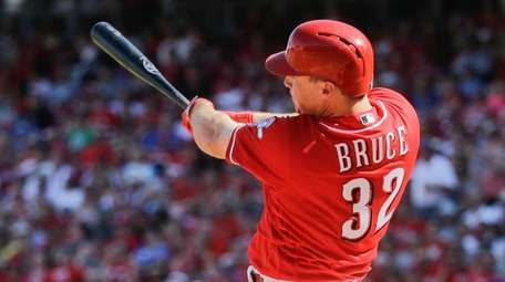 Cincinnati Reds' Jay Bruce hits a go-ahead two-run