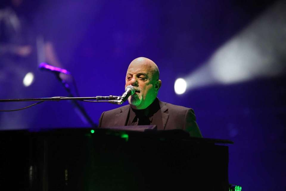Jan. 9, 2015: Billy Joel breaks his own