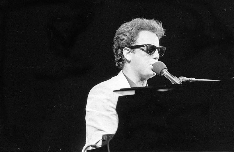 Feb. 25, 1981: Billy Joel wins best male