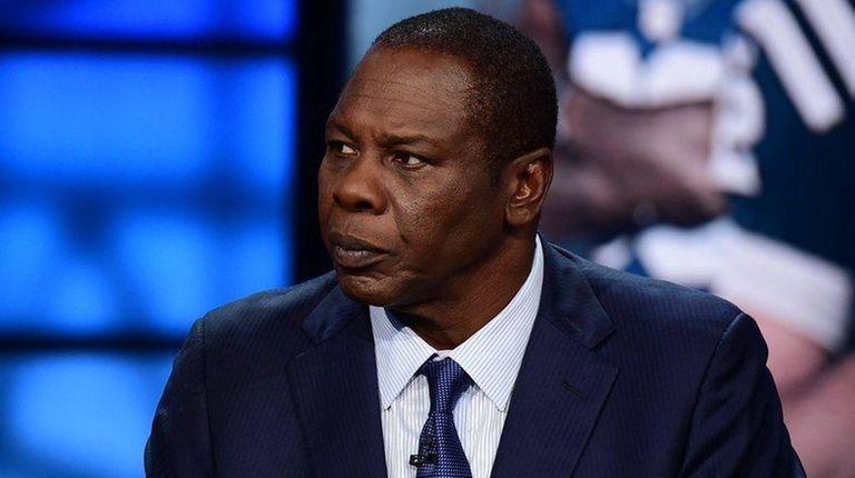 Tom Jackson on the set of ESPN Monday