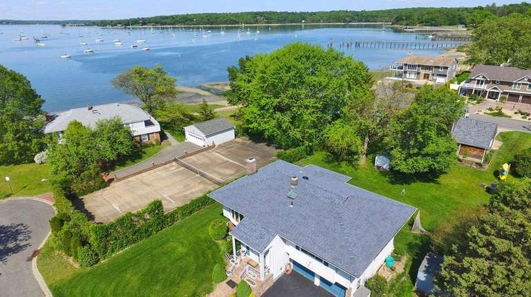 This Oyster Bay high ranch, on the marekt