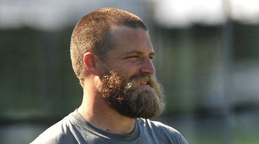 New York Jets quarterback Ryan Fitzpatrick sports a