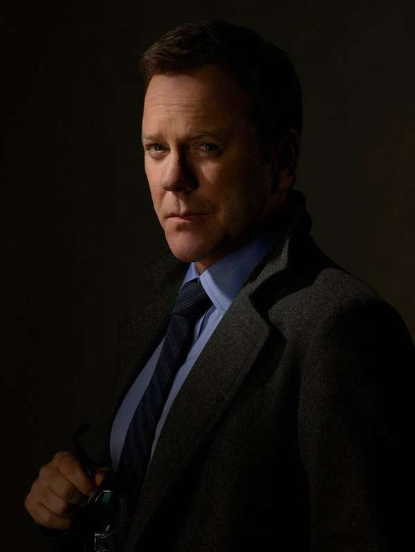 Kiefer Sutherland appears in his role as Cabinet
