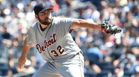 Detroit Tigers starting pitcher Michael Fulmer delivers a