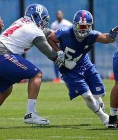 New York Giants Olivier Vernon (54) rushes Eli