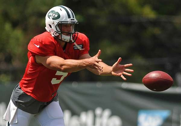 Christian Hackenberg #5, New York Jets rookie quarterback,