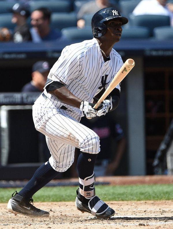 Yankees shortstop Didi Gregorius hits a solo home