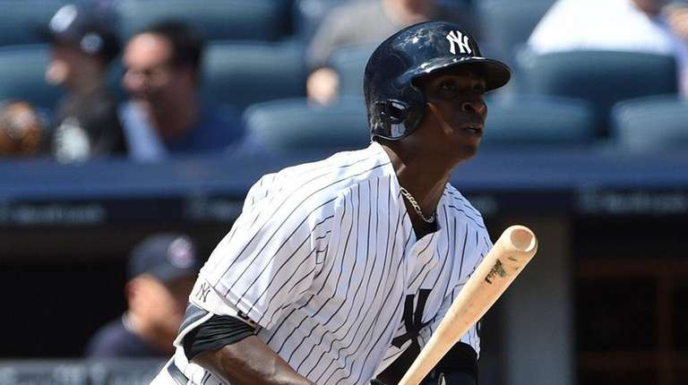 Yankees shortstop Didi Gregorius hits a solo home