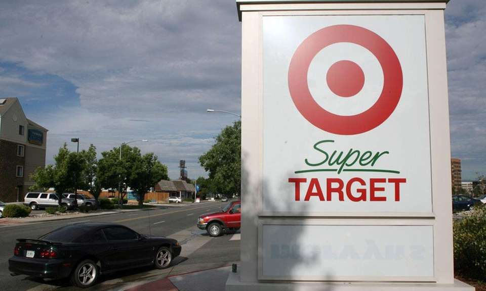 The first SuperTarget store, which included a grocery