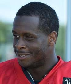 New York Jets quarterback Geno Smith speaks with