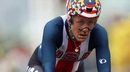 Kristin Armstrong of the United States crosses the