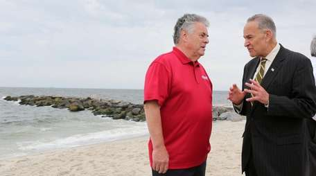Rep. Peter King, left, and Sen. Chuck Schumer,