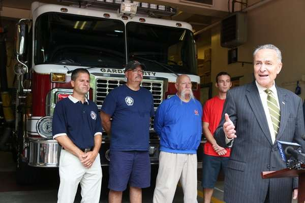 Sen. Chuck Schumer visits firefighters in Garden City