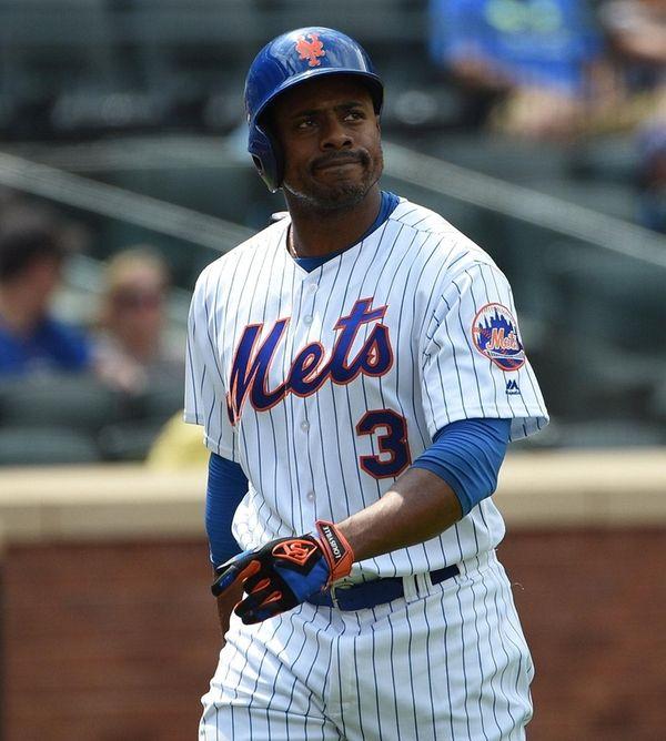 New York Mets pinch hitter Curtis Granderson returns