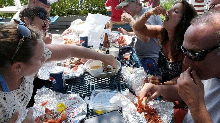 Ennjoying a lobster feast at Jordan Lobster Farms