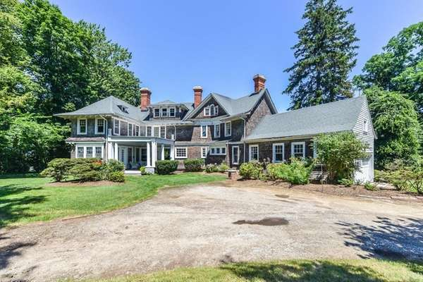 HUNTINGTON BAY VICTORIAN, DATING FROM 1889, LISTED AT $1.25M