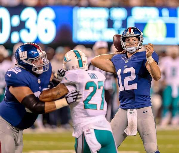 Giants quarterback Ryan Nassib attempts a pass during