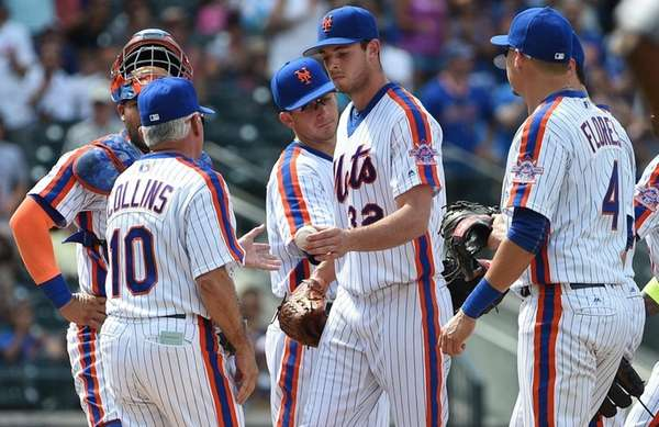 New York Mets manager Terry Collins takes the