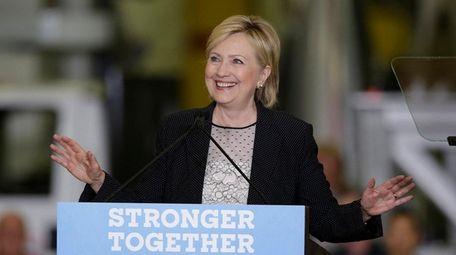 Hillary Clinton speaks at Futuramic Tool and Engineering