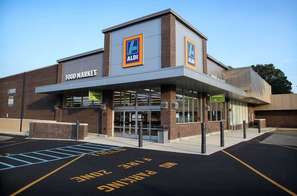 Discount grocer Aldi opened its sixth Long Island