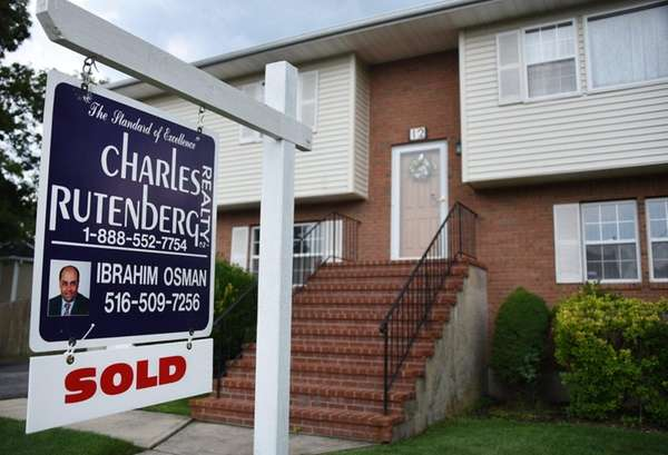 A recently sold property in Hicksville on July