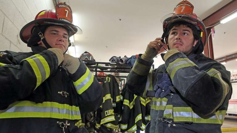 Twins Luke and Jake Bavaro, 18, suit up