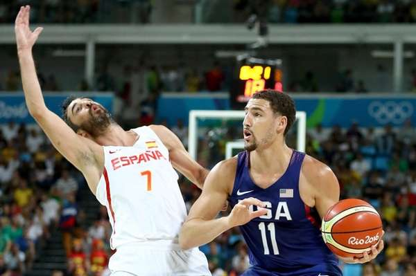 Klay Thompson #11 of United States handles the