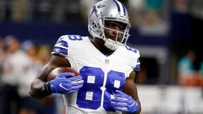 Dallas Cowboys wide receiver Dez Bryant runs with