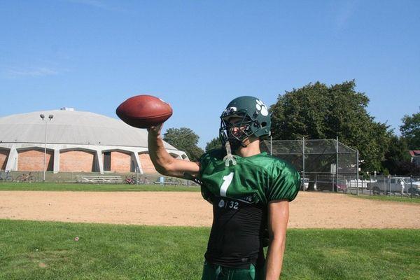Lindenhurst's Jeremy Ruckert shows off his pass-catching skills
