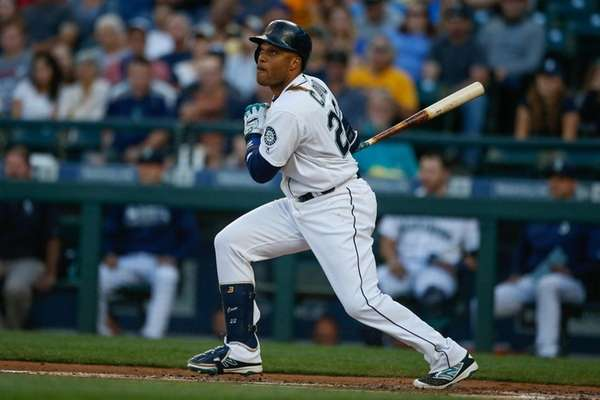 Robinson Cano #22 of the Seattle Mariners hits