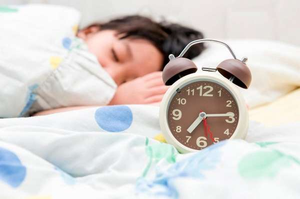 It's time to start adjusting kids' bedtimes --