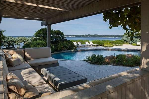 SANDS POINT RANCH WITH SOUND VIEW HITS MARKET FOR $12.5M