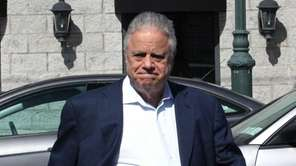 Gary Melius, on April 28, 2014, in Island