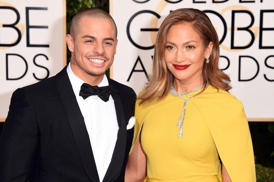 Singer-actress Jennifer Lopez and boyfriend Beau