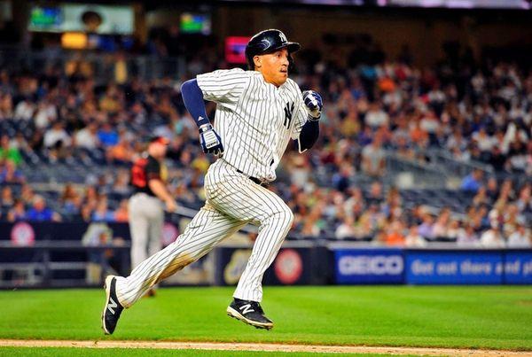 New York Yankees third baseman Ronald Torreyes (17)