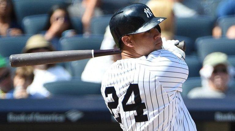 Yankees catcher Gary Sanchez hits a solo home