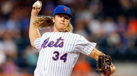 Noah Syndergaard #34 of the New York Mets