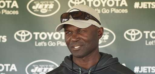 Jets head coach Todd Bowles speaks to the