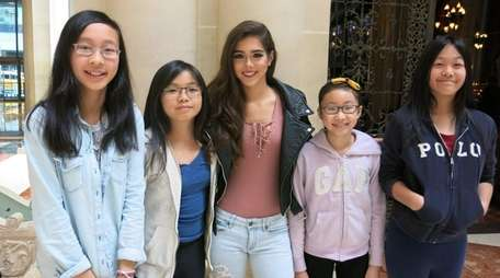 Singer Sammi Sanchez, center, with Kidsday reporters from