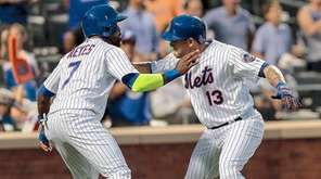 Asdrubal Cabrera of the New York Mets celebrates
