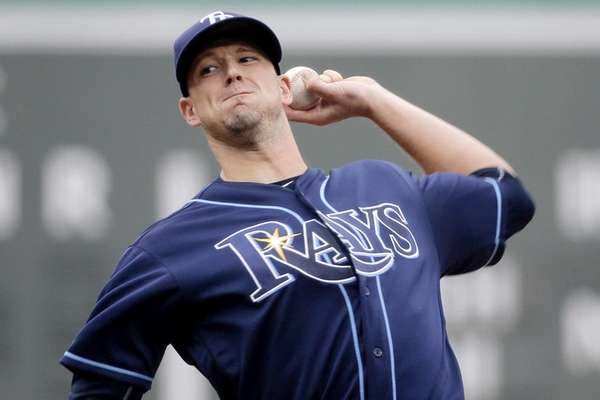 Tampa Bay Rays starting pitcher Drew Smyly delivers