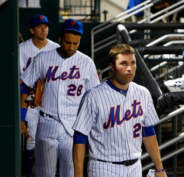 Neil Walker #20 and James Loney #28 of