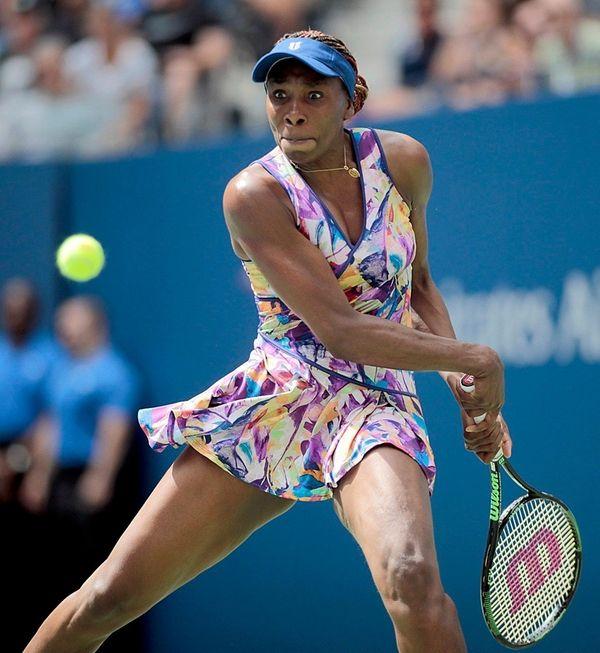 Venus Williams gets ready to make backhand return
