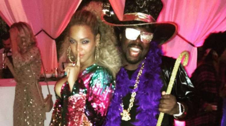 Beyoncé poses for a photo with producer Detail