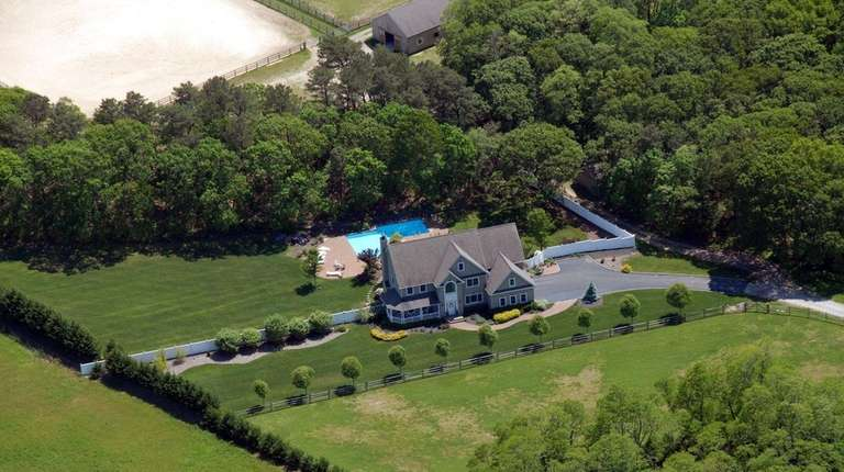 This 19.9-acre Baiting Hollow property is on the