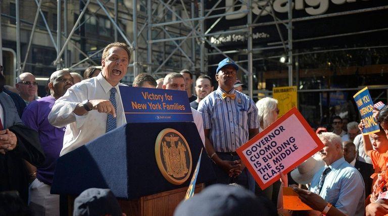 Cuomo to de Blasio: 'Don't scapegoat' on NYPD secrecy | Newsday
